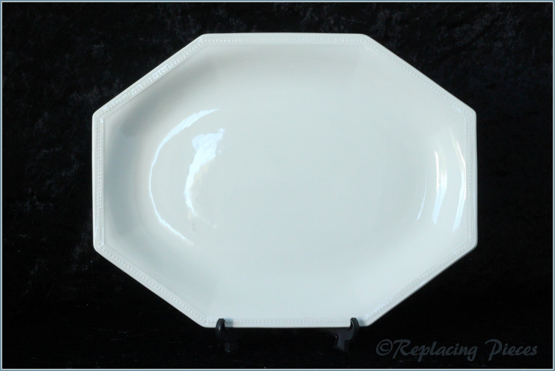 "Johnson Brothers - Heritage White - 11 7/8"" Oval Platter"