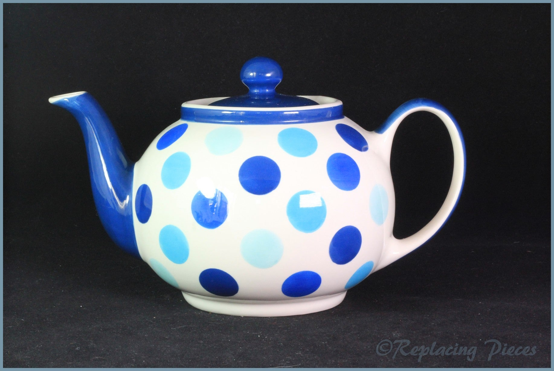 RPW71 - Whittards - 2 Pint Teapot (Blue Spots)