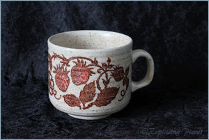 Churchill - Wild Strawberry - Teacup