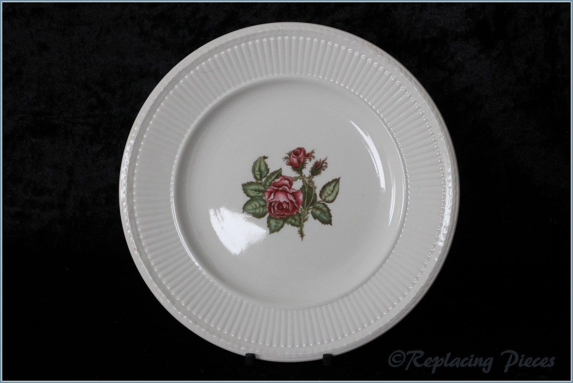 "Wedgwood - Moss Rose - 9"" Luncheon Plate"