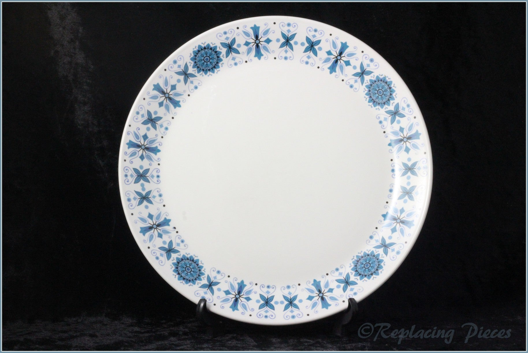 "Johnson Brothers  - Engadine - 8 7/8"" Luncheon Plate"