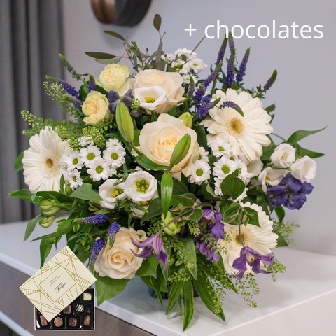 Delicate Whites With Chocolates