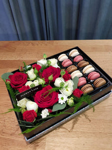 Red Roses and Macarons Box