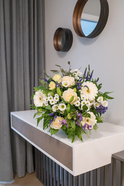 Bouquet of lilies, roses, lisianthus and gerberas