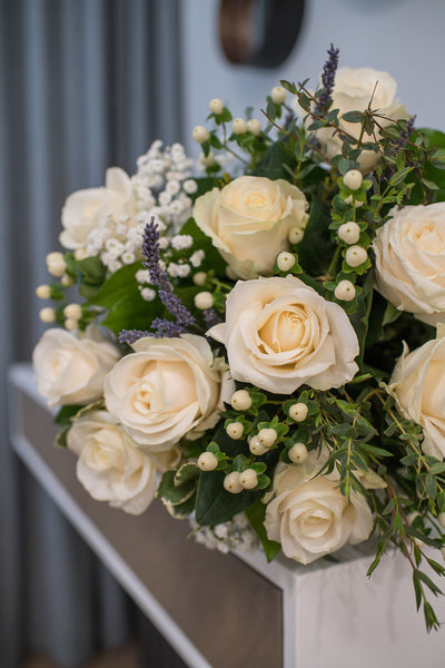 Elegant and contemporary roses bouquet