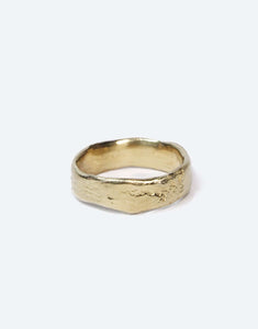 Molten wedding band Gold