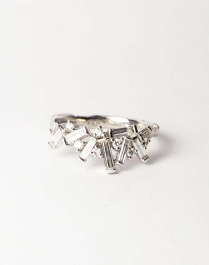 Baguette diamond ring in platinum