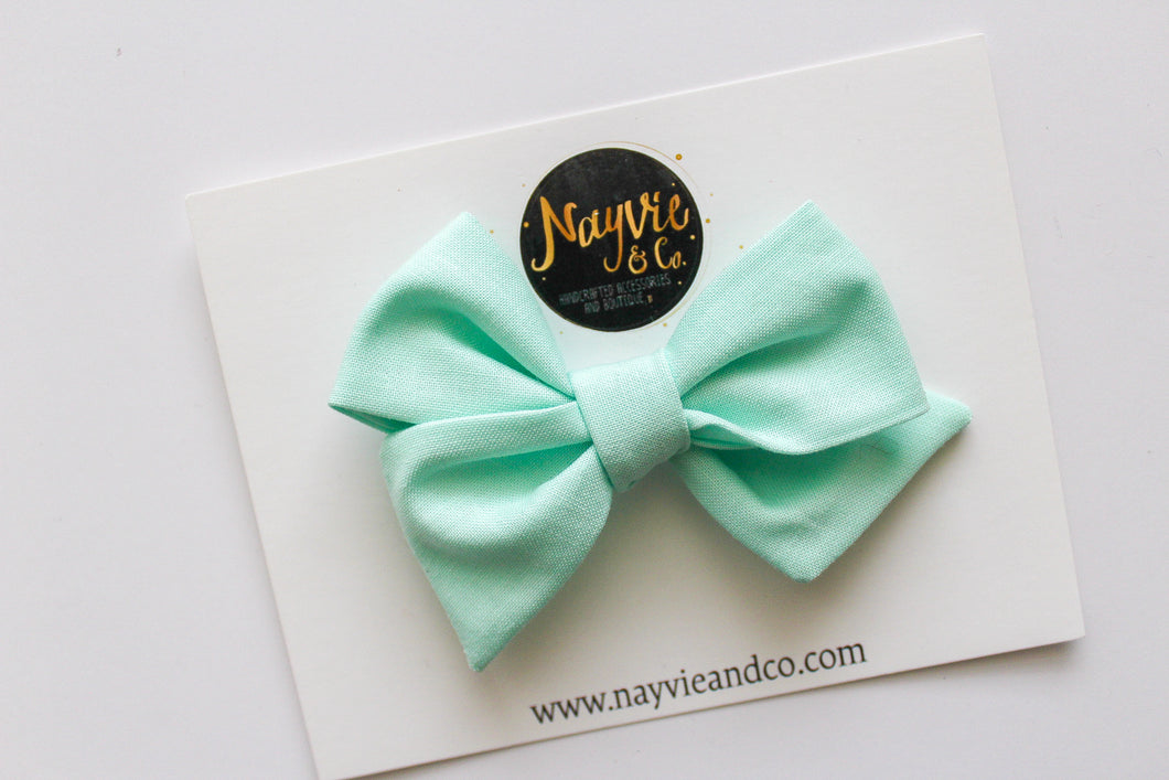 Mint Hand-tied Bow