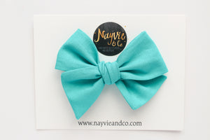 Splash Hand-tied Bow