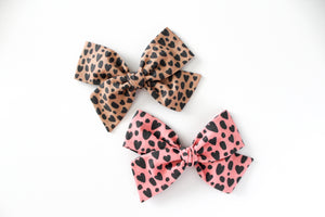 Pink Leopard Hearts Hand-tied Bow