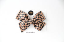 Leopard Hearts Hand-tied Bow
