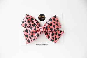 Leopard Hearts Hand-tied Bow Set