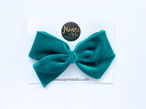 Emerald Green Velvet Hand-tied Bow