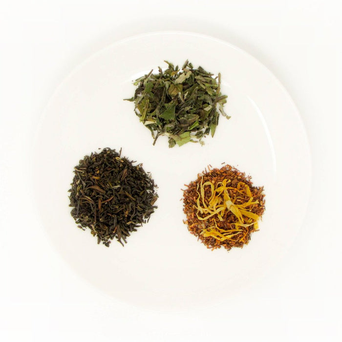 Fine loose leaf tea leaves (dry)