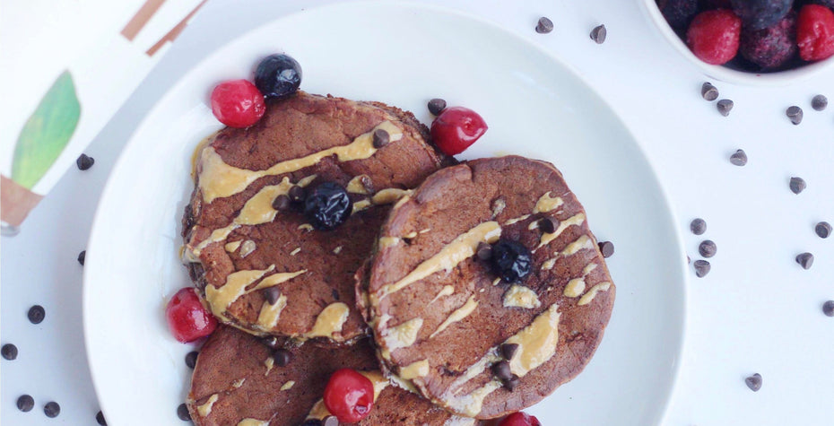 4-Ingredient Chocolate Protein Pancakes