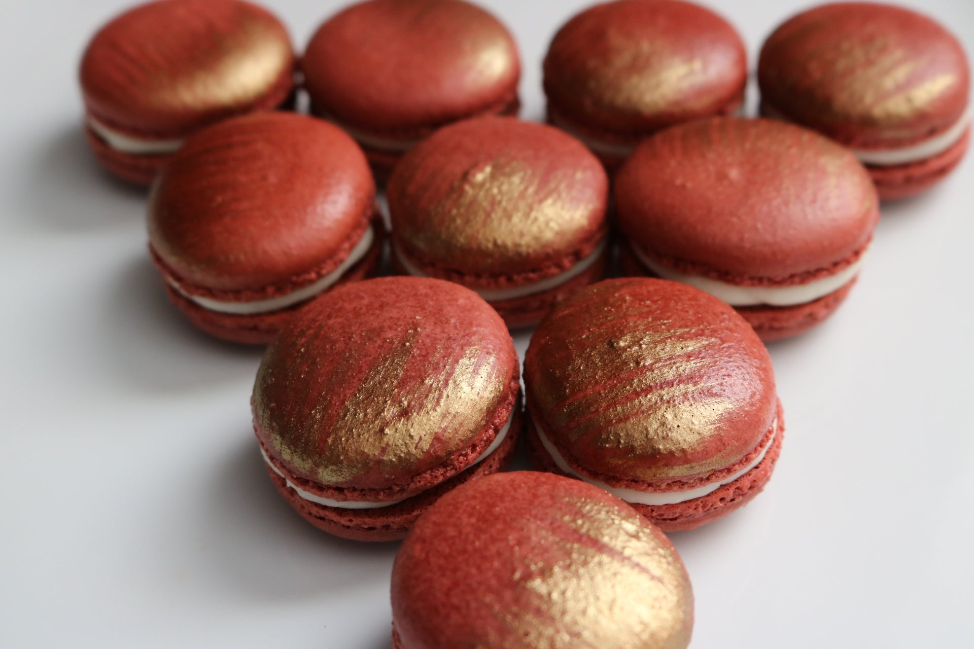 Gold Edible Metallic Food Paint