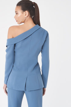 Fitted Blazer Off the Shoulder
