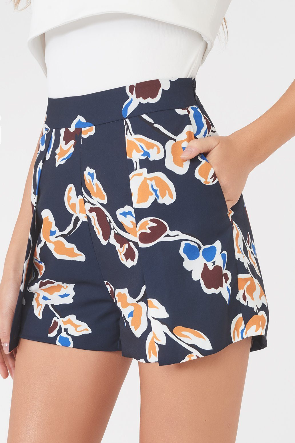 Floral Tailored Shorts in Navy Floral