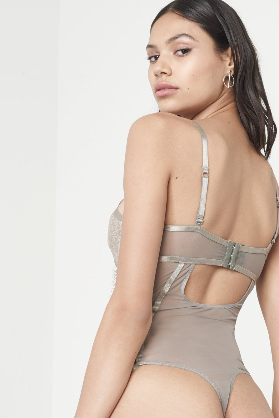 Dove Grey Scallop Lace Open Ring Detail Body