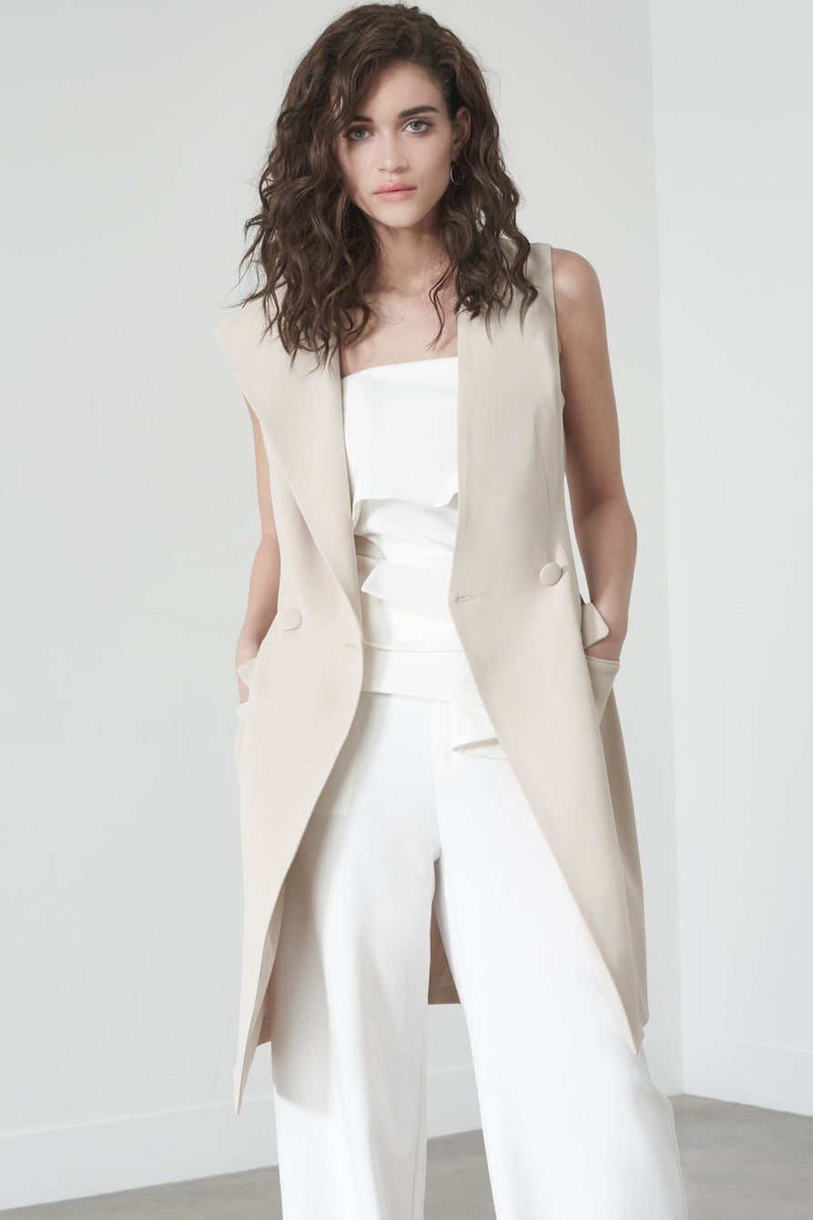 Sleeveless Blazer in Soft Nude