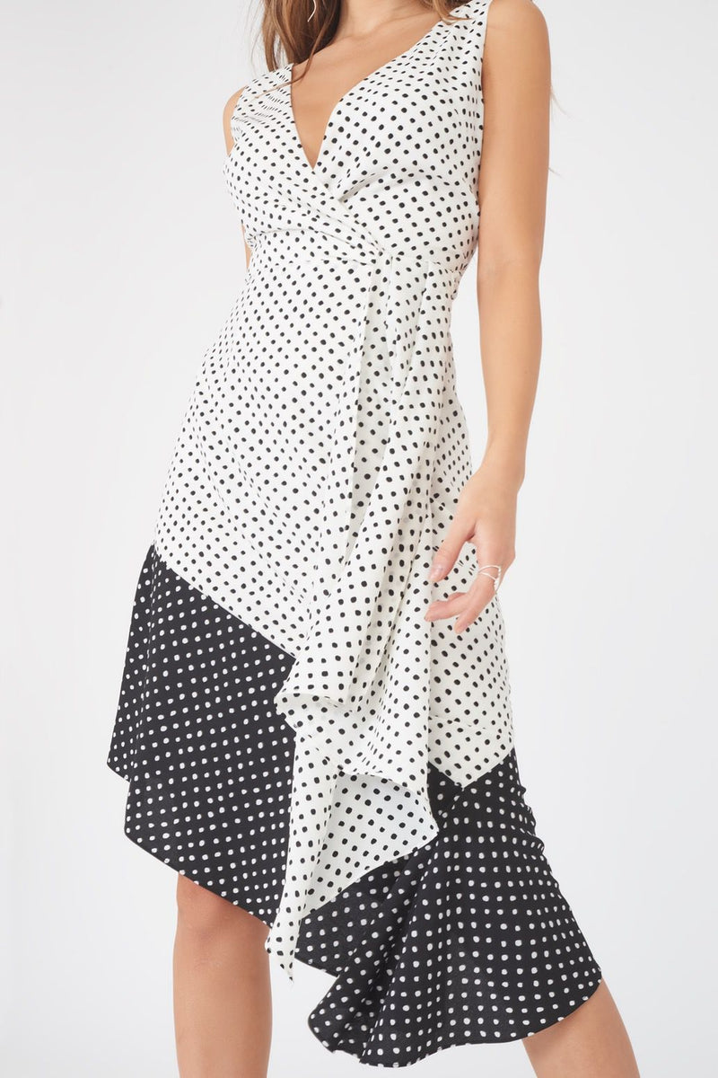 Contrast Polka Dot Flounce Hem Dress in Monochrome