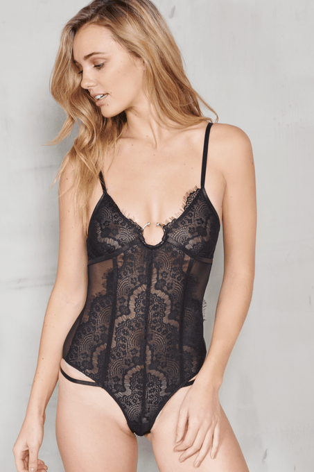 Black Scallop Lace Open Ring Detail Body