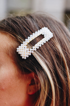 Cluster Of Pearls Rectangular Hair Clip
