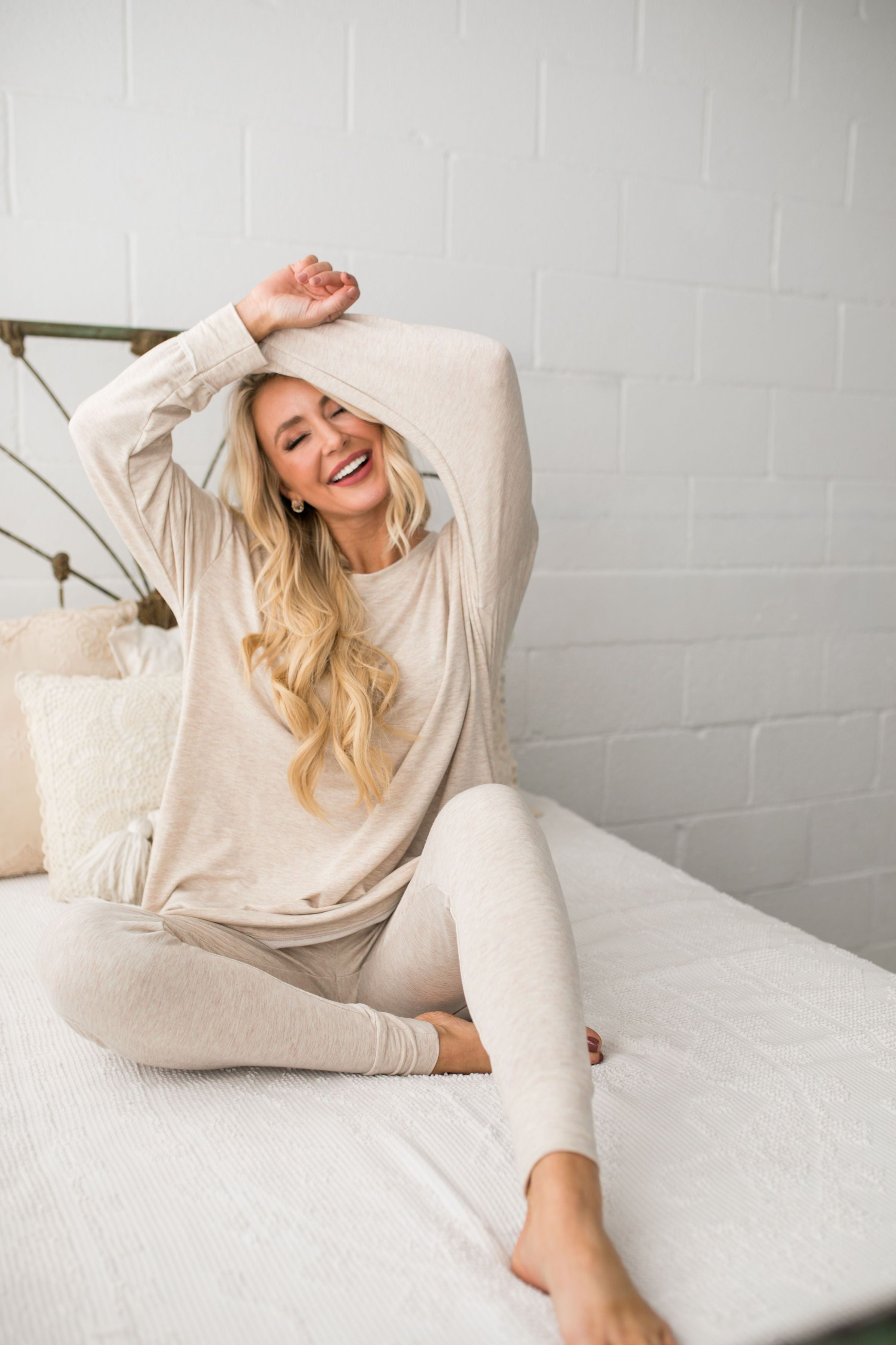 Free Fallin' Sweatshirt In Oatmeal - ALL SALES FINAL