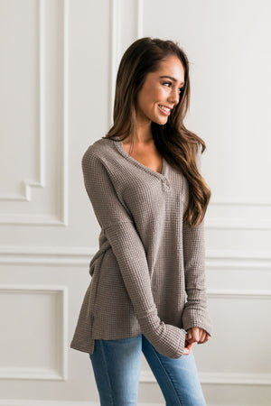Waffle Knit V-Neck Tee In Mocha - ALL SALES FINAL