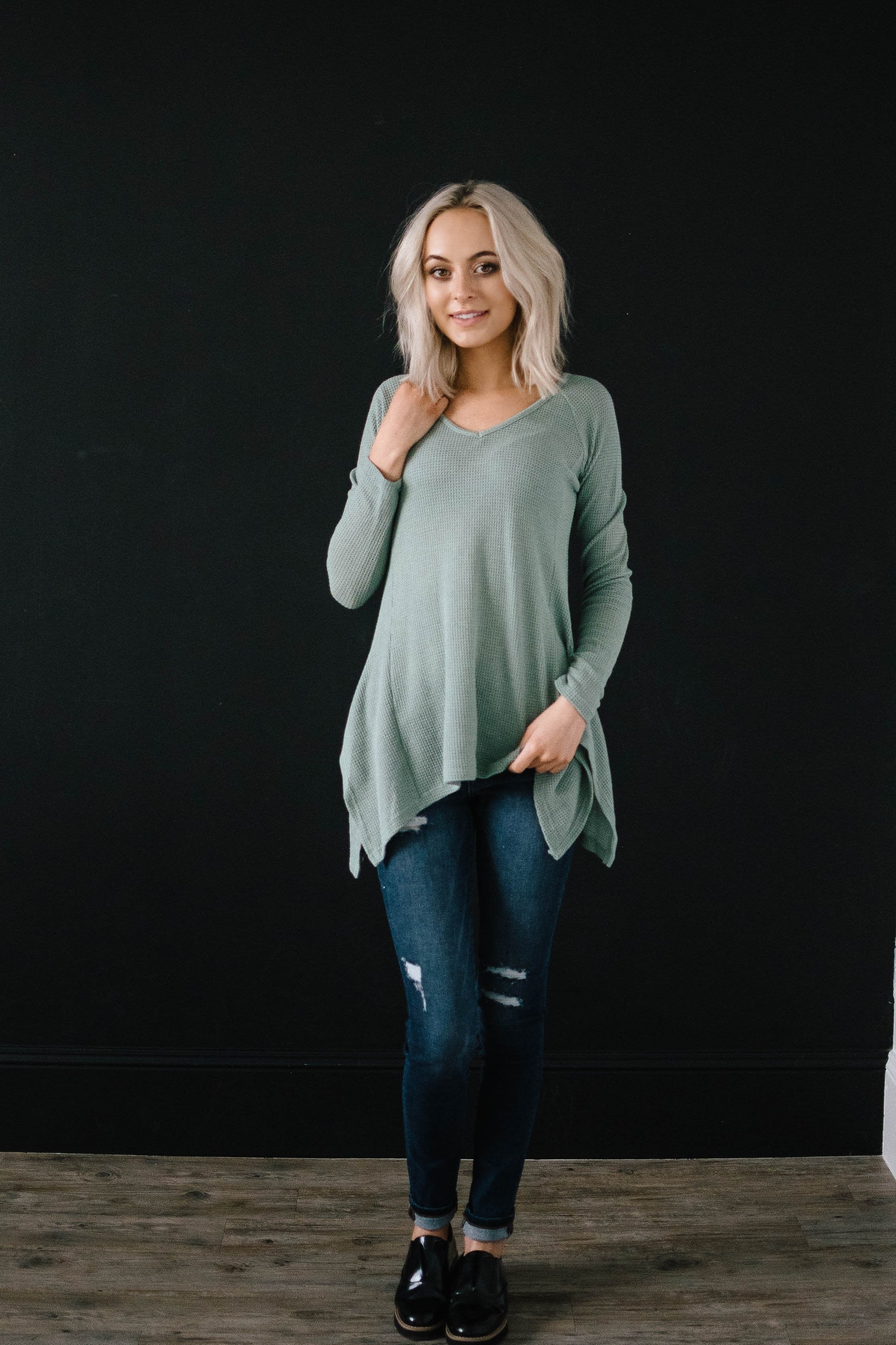 Willow Woven Shark Bite Top in Sage Green
