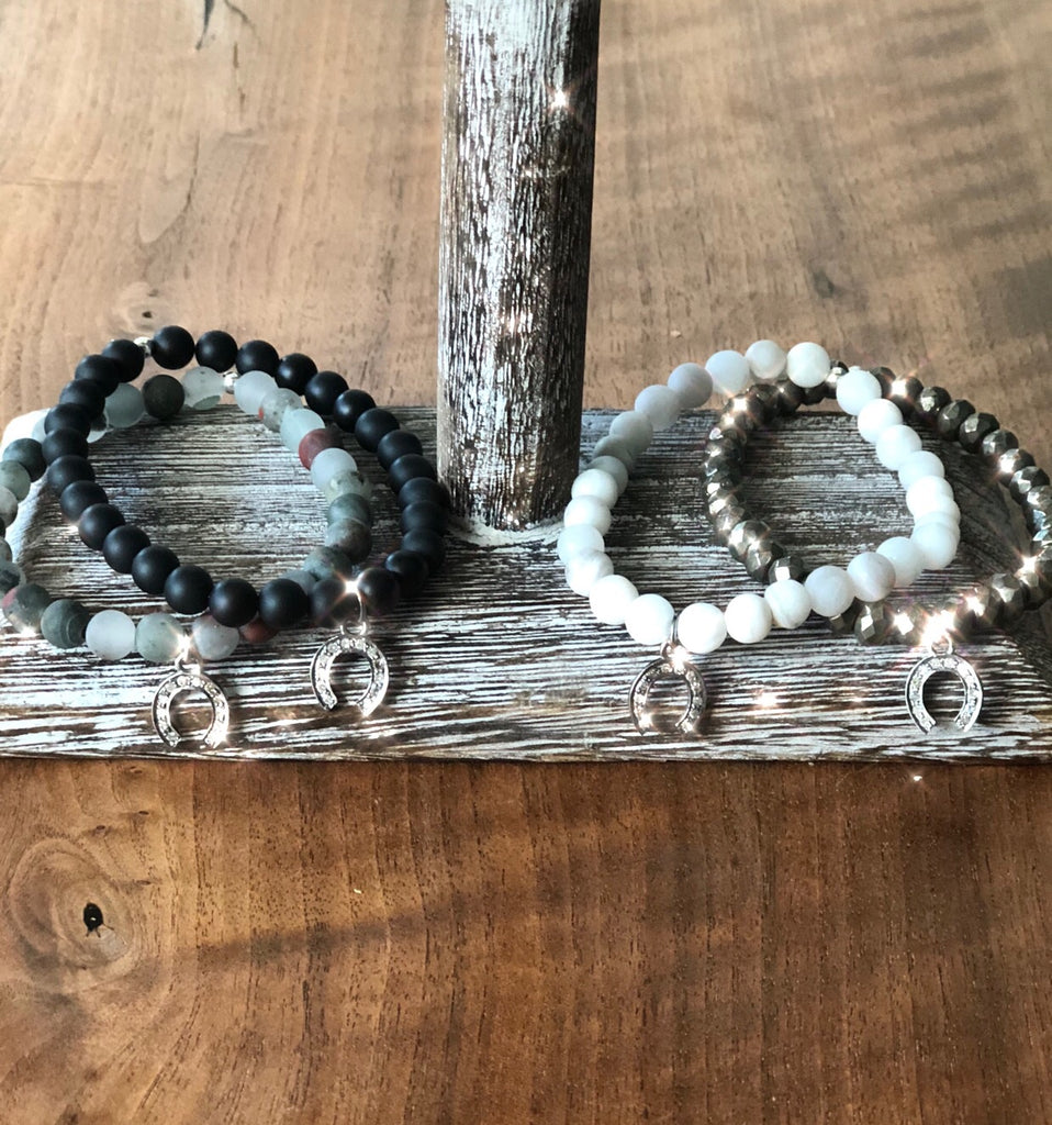Stacking bracelets with pave diamond horseshoes - A.FIER LIFESTYLE
