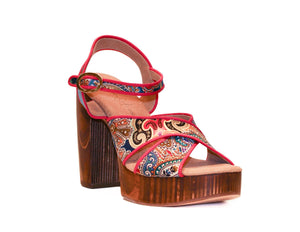 Three-quarter view of Havana retro platform sandals in red-patterned silk with wooden heel
