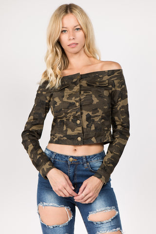 CAMO OFF SHOULDER CROPPED CAMO JACKET
