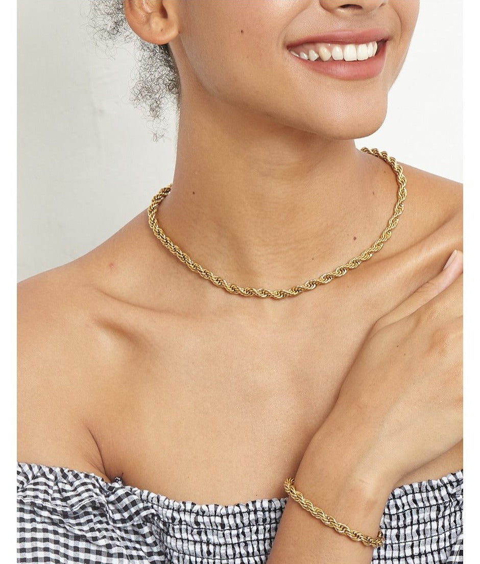 Twist Chain Choker Necklace