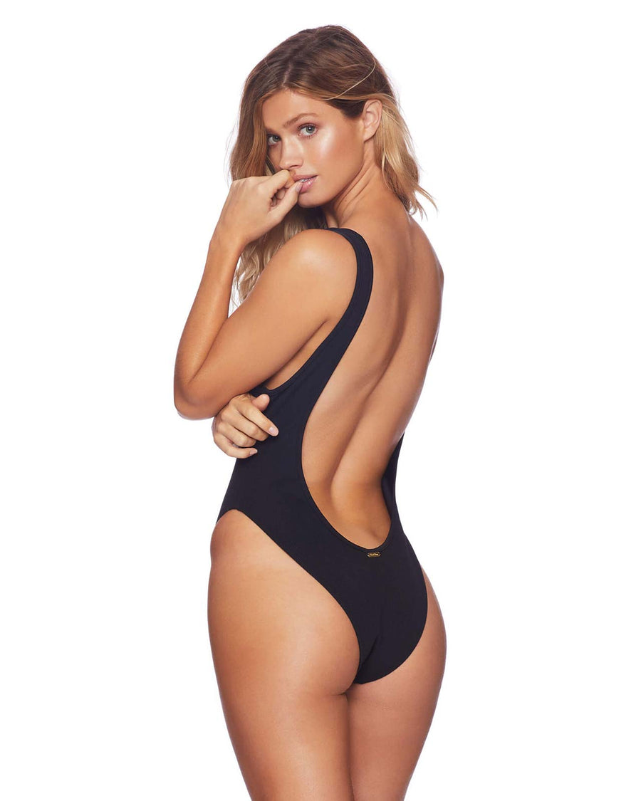 BLACK PRESLEY ONE PIECE BY BEACH BUNNY