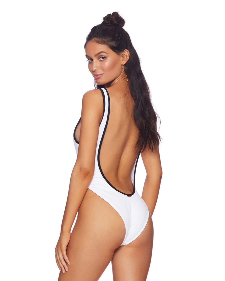 WHITE PRESLEY ONE PIECE BY BEACH BUNNY