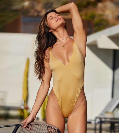 GOLD BABE WATCH ADJUSTABLE STRAP ONE PIECE