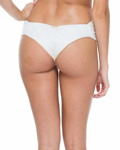 WHITE HAVANA NIGHTS SCRUNCH BRAZILIAN RUCHED BACK BOTTOM LULI FAMA L539346-002