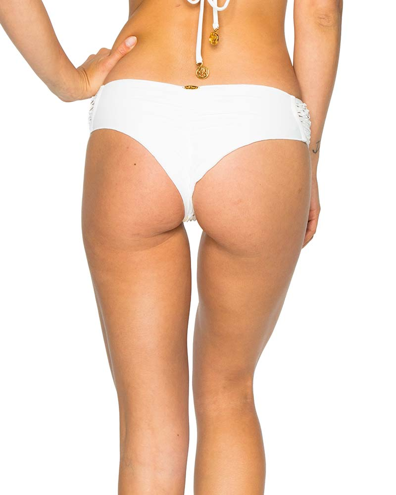OFF WHITE LA CABANA SCRUNCH BRAZILIAN RUCHED BACK BOTTOM BY LULI FAMA