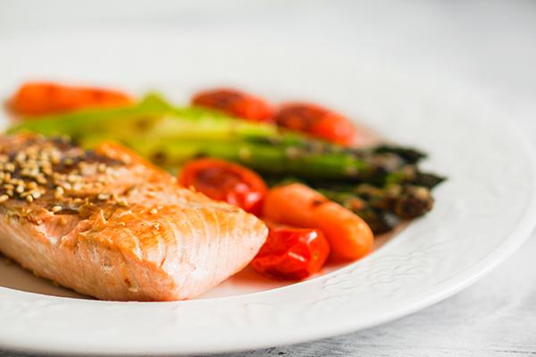 Salmon and Vegetables Single-Pan Meal