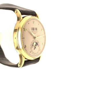 Patek Philippe Perpetual Calendar With Moon Phases 18K Yellow Gold Ref. 1526J 1949