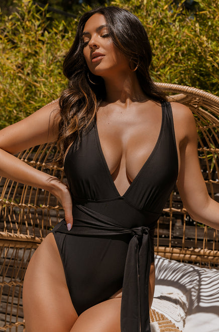 Summer Reveal Swimsuit - Black