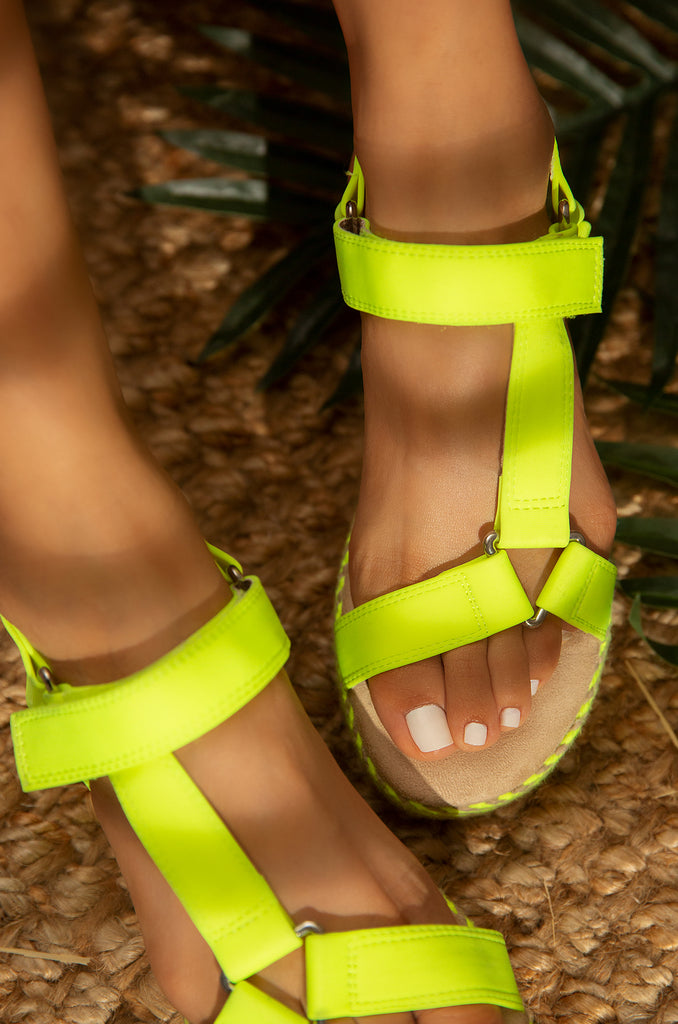 Wild Summer - Neon Yellow