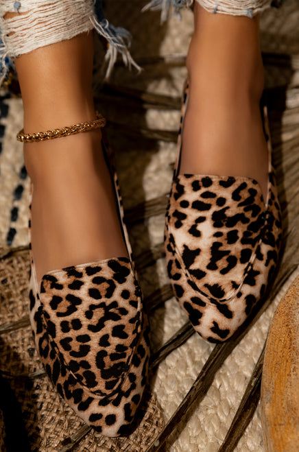 Walking Chic - Leopard