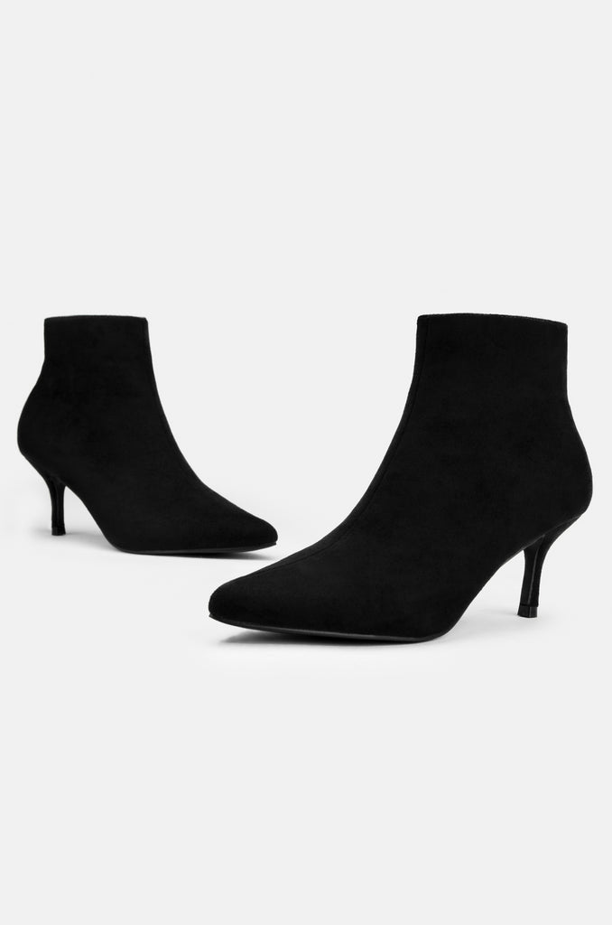 Upper East Side - Black Suede