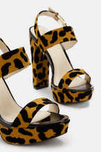 Tropic Heat - Leopard