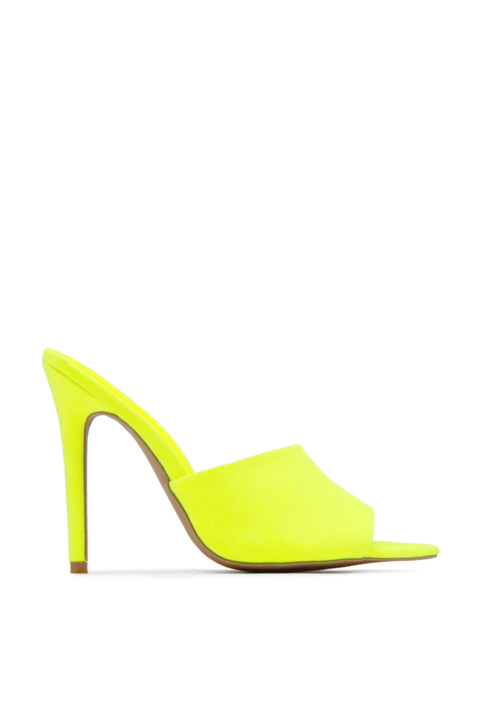 On Point - Neon Yellow