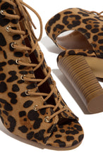 Destination Chic - Leopard