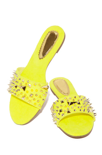 Strut N Stud - Yellow