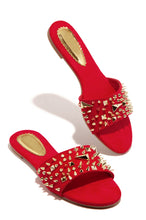 Strut N Stud - Red